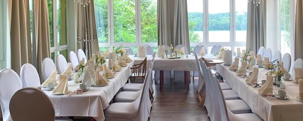 strandhotel-vierjahreszeiten-buckow-terrasse_raum